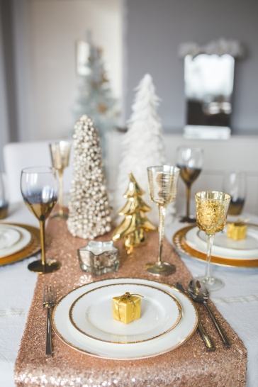 kaboompics.com_Beautiful Christmas Tableware